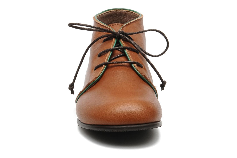 Chaussures à lacets PèPè 1200P Marron vue portées chaussures