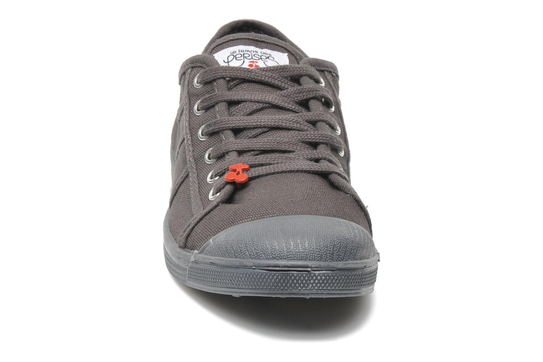Baskets Le temps des cerises Basic 02 Mono Gris vue portées chaussures