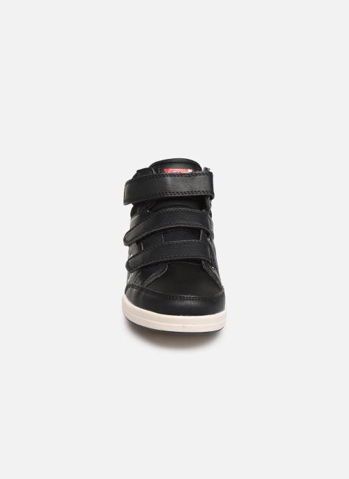 Baskets Levi's Chicago Noir vue portées chaussures
