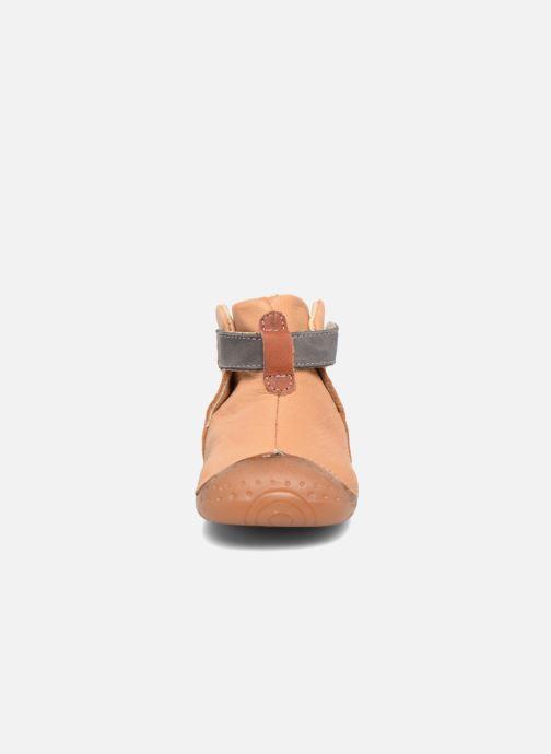 Chaussures à scratch Babybotte ZAK Jaune vue portées chaussures