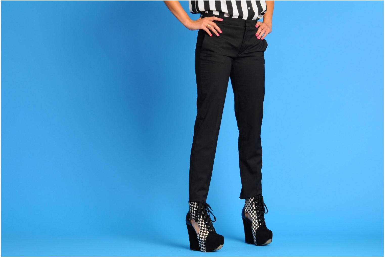 Bottines et boots Shellys London Vokata Noir vue bas / vue portée sac
