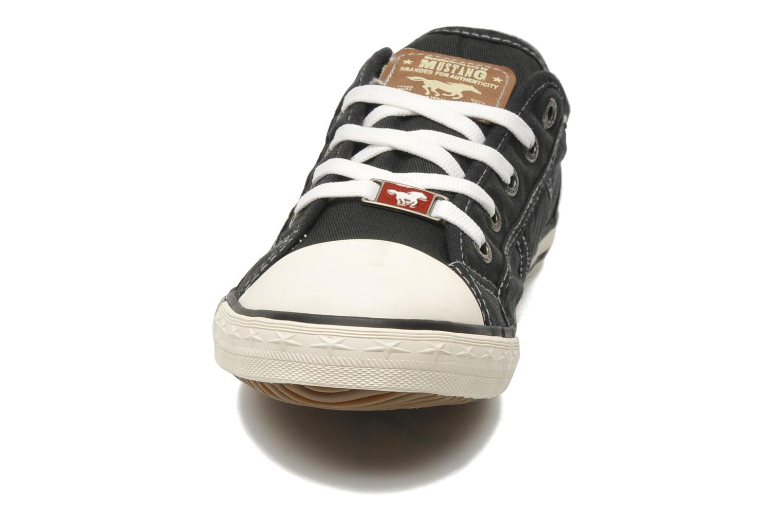 Baskets Mustang shoes Pitaya Noir vue portées chaussures