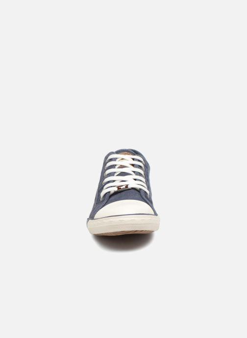 Sneakers Mustang shoes Tista Azzurro modello indossato