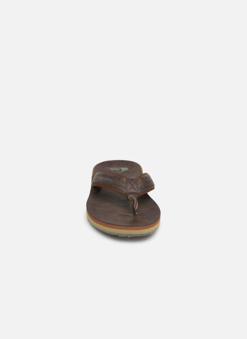 Tongs Quiksilver Carver Nubuck Marron vue portées chaussures