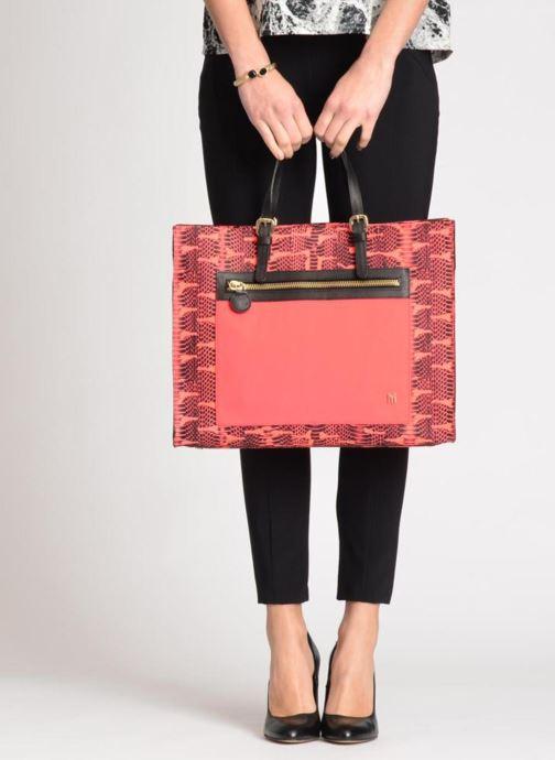 Handtaschen MySuelly Jo rosa ansicht von unten / tasche getragen