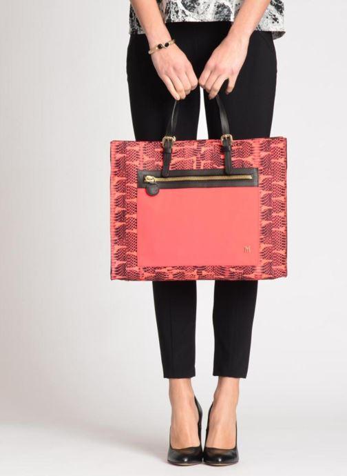 Handtaschen MySuelly Jo schwarz ansicht von unten / tasche getragen