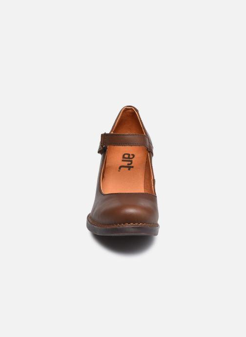 Escarpins Art Harlem 933 Marron vue portées chaussures