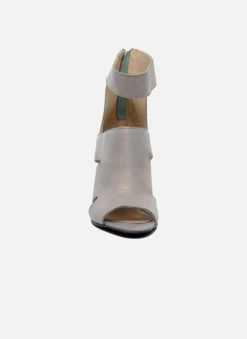 Sandals Dkode Thetis Grey model view