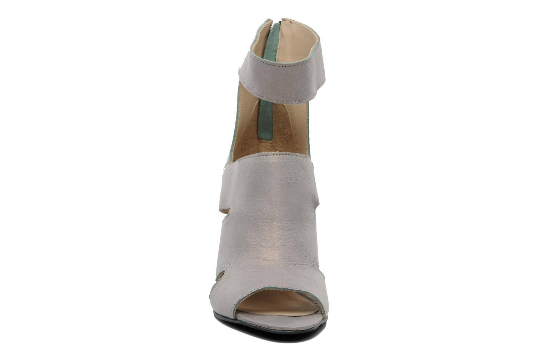 Sandales et nu-pieds Dkode Thetis Gris vue portées chaussures
