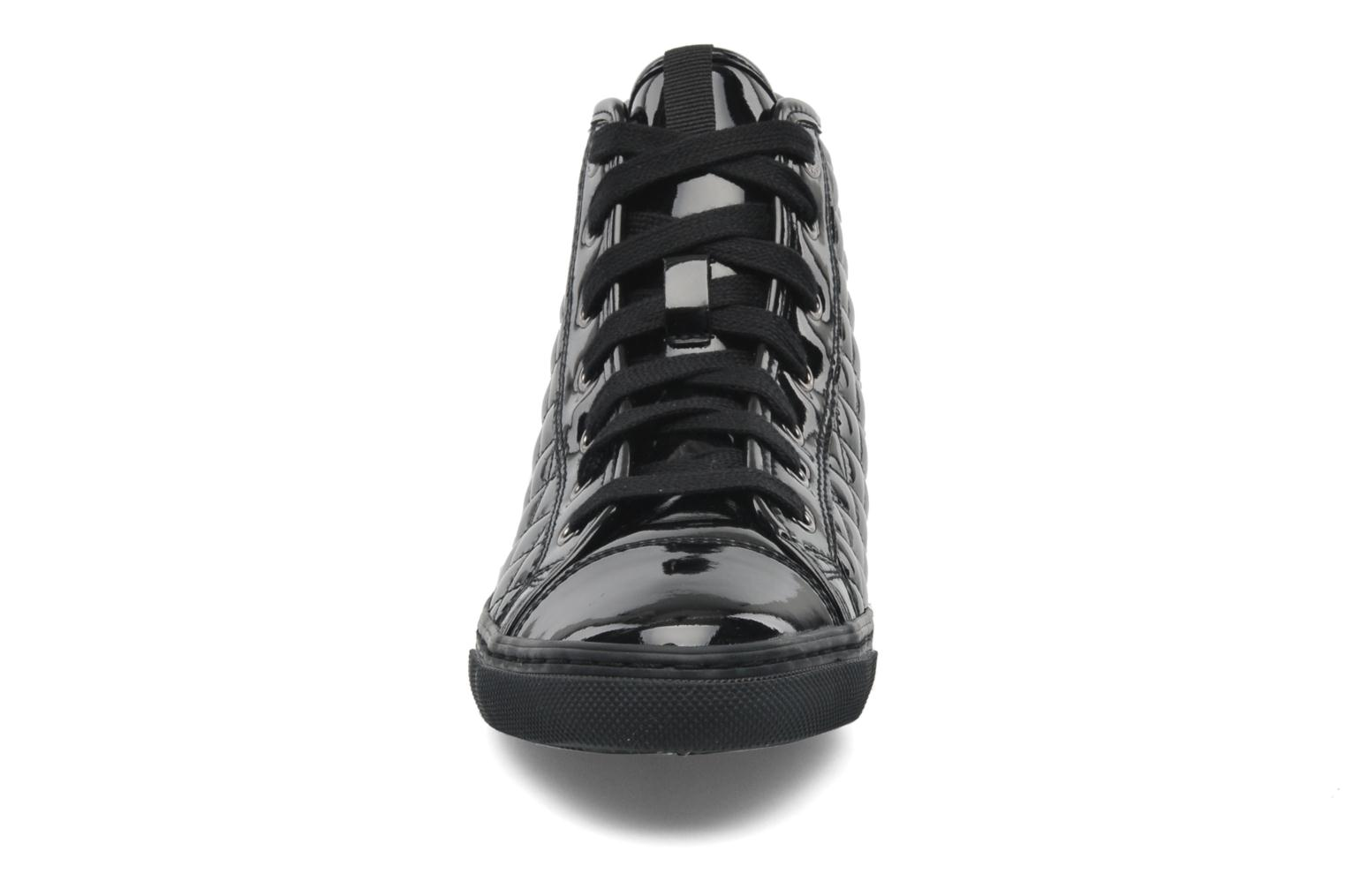 Sneakers Geox D NEW CLUB D D4458D Nero modello indossato