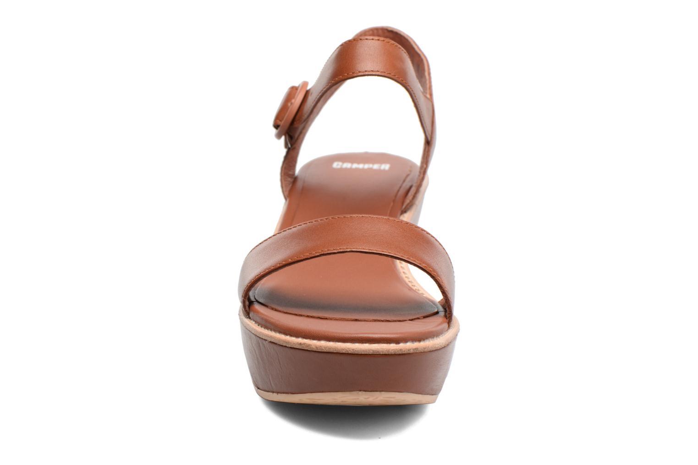 Sandales et nu-pieds Camper Damas 21923 Marron vue portées chaussures