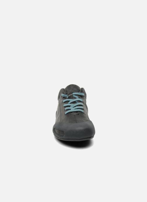Sneakers Camper Peu Senda 20614 Nero modello indossato
