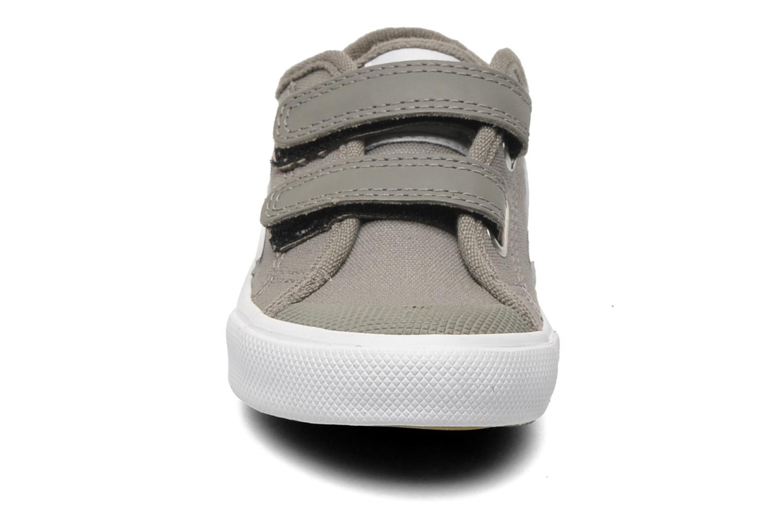 Baskets Veja GURIS VELCRO KIDS Gris vue portées chaussures
