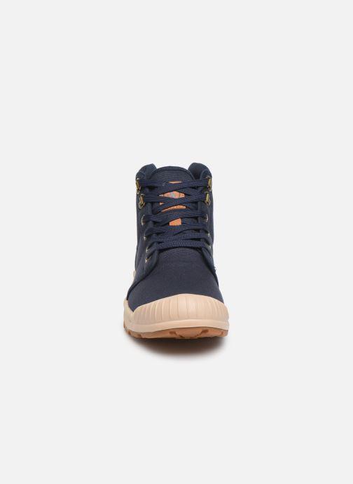 Baskets Aigle Tenere Light Bleu vue portées chaussures