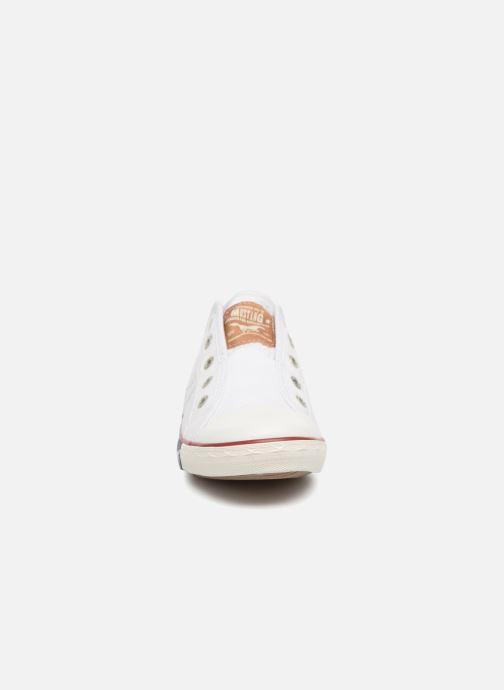 Baskets Mustang shoes Sorala Blanc vue portées chaussures