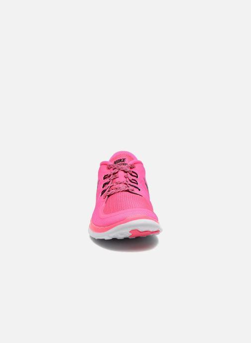 Deportivas Nike NIKE FREE 5.0 (GS) Rosa vista del modelo
