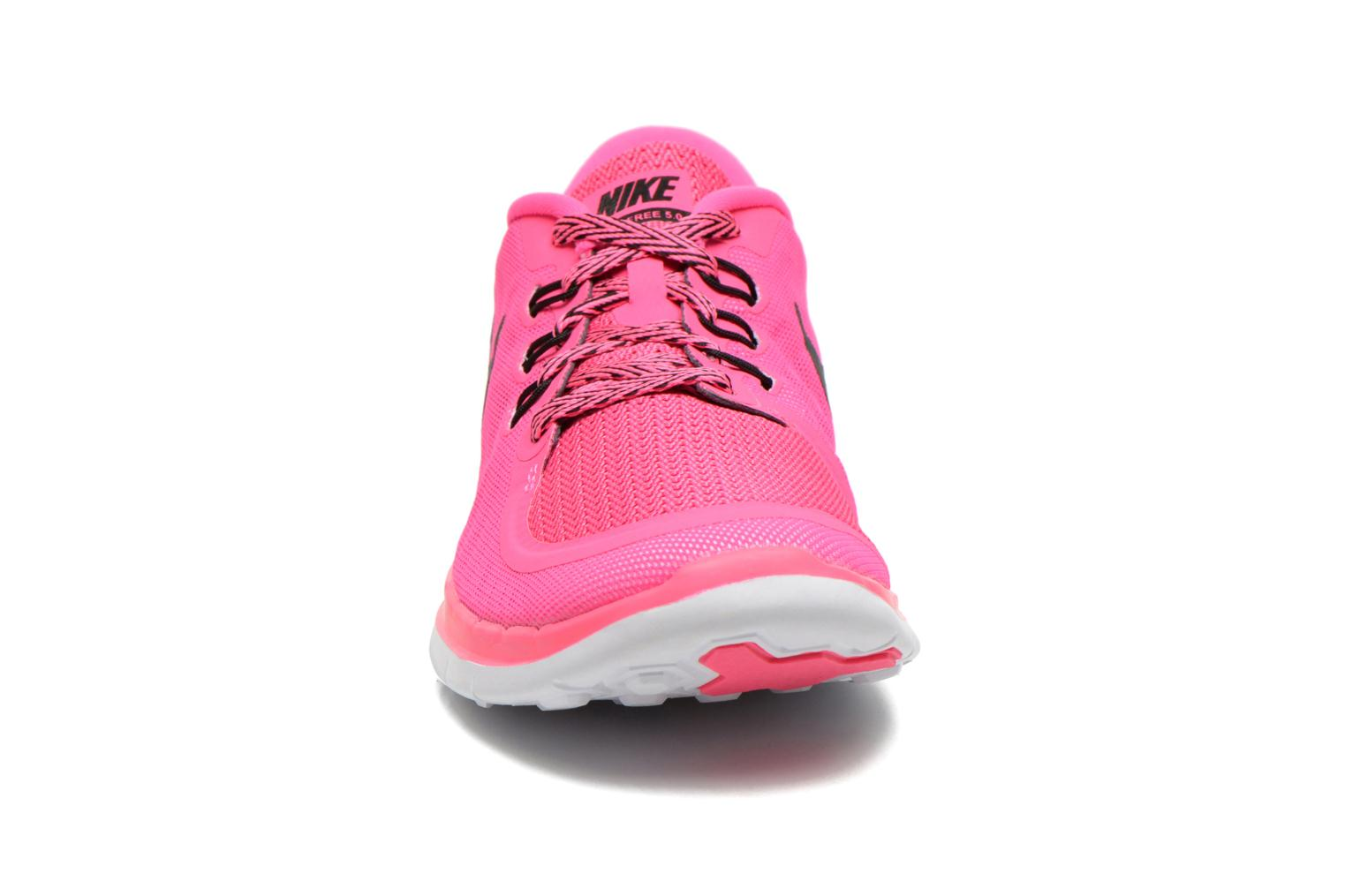 Baskets Nike NIKE FREE 5.0 (GS) Rose vue portées chaussures