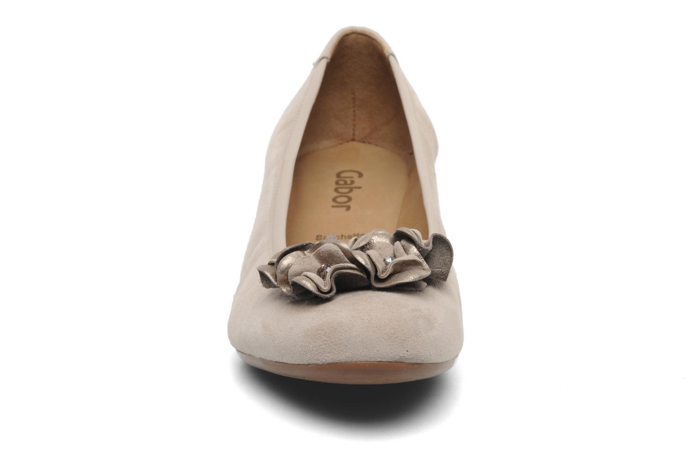 Escarpins Gabor Sidney Beige vue portées chaussures