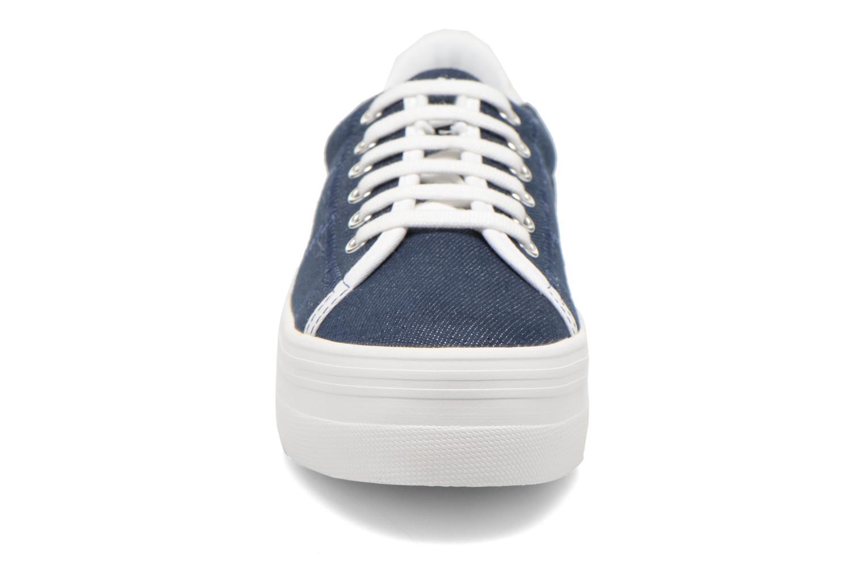 Sneakers No Name Plato Sneaker Strass Azzurro modello indossato