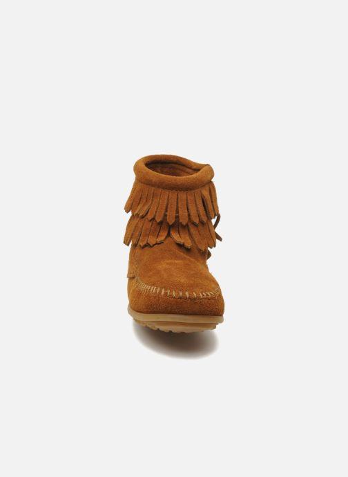 Bottines et boots Minnetonka Double Fringe bootie G Marron vue portées chaussures