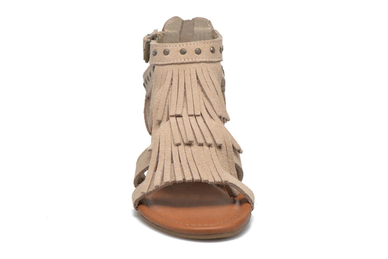 Sandales et nu-pieds Minnetonka Monaco Beige vue portées chaussures