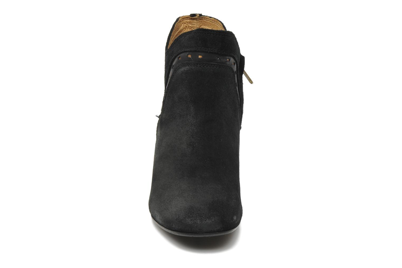 Boots H By Hudson Rodin Svart bild av skorna på