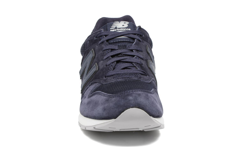 Sneaker New Balance MRL996 blau schuhe getragen