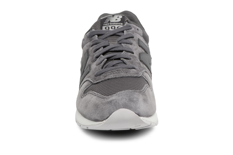 Baskets New Balance MRL996 Gris vue portées chaussures
