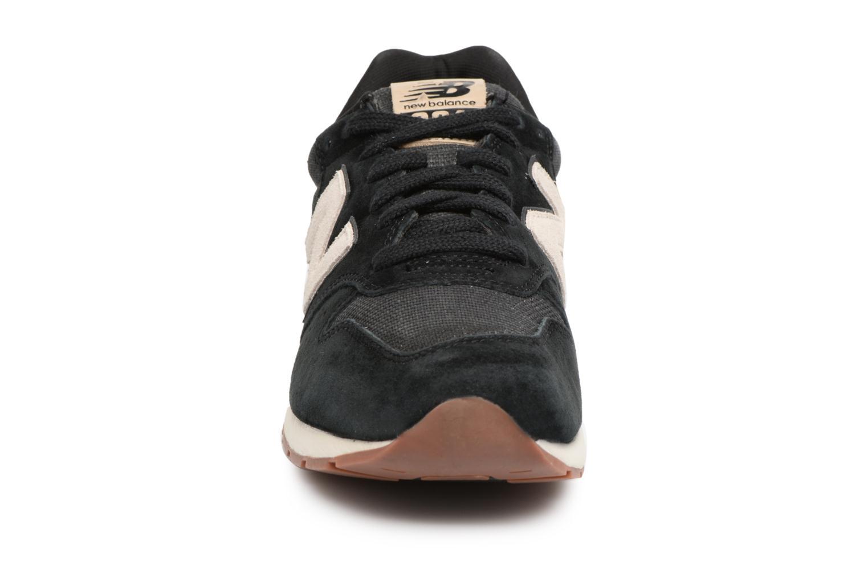 Baskets New Balance MRL996 Noir vue portées chaussures