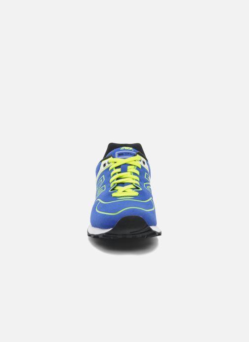 Baskets New Balance WL574 Bleu vue portées chaussures