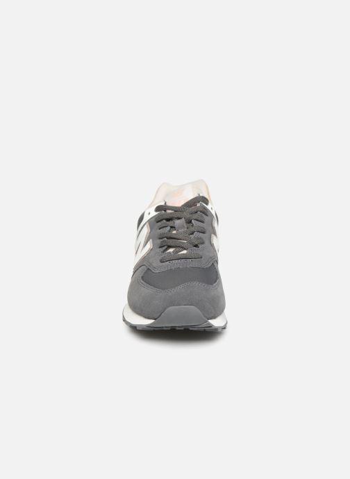 Baskets New Balance WL574 Gris vue portées chaussures
