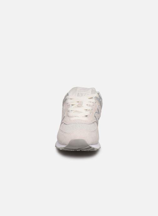 Baskets New Balance WL574 Blanc vue portées chaussures