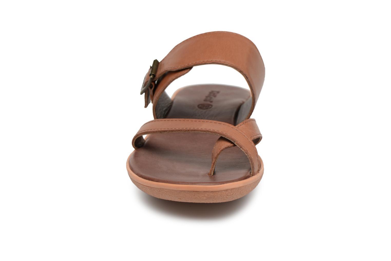 Sandales et nu-pieds Kickers Hypy Marron vue portées chaussures