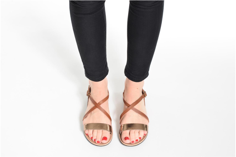 Sandales et nu-pieds Kickers Spartame Rouge vue bas / vue portée sac