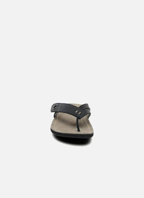 Chanclas Kickers Spacy Negro vista del modelo