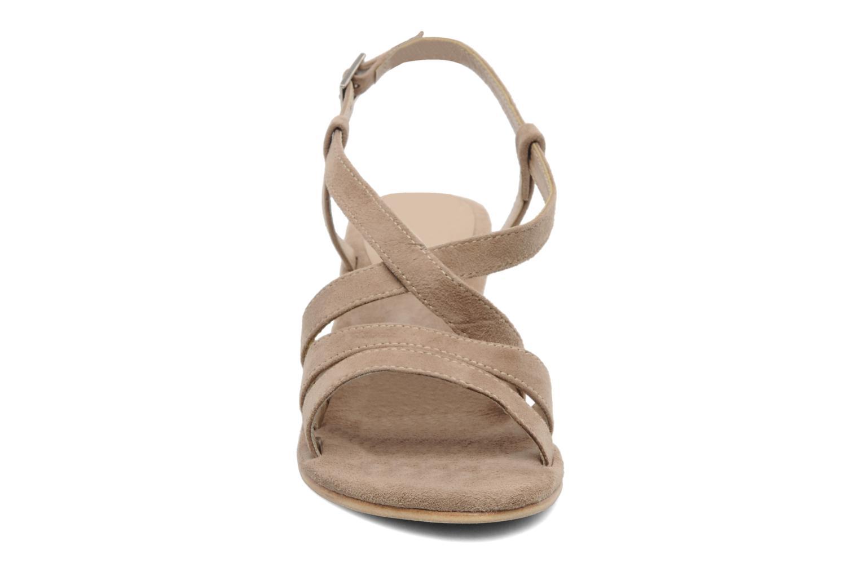 Sandales et nu-pieds Elizabeth Stuart Setis 606 Beige vue portées chaussures