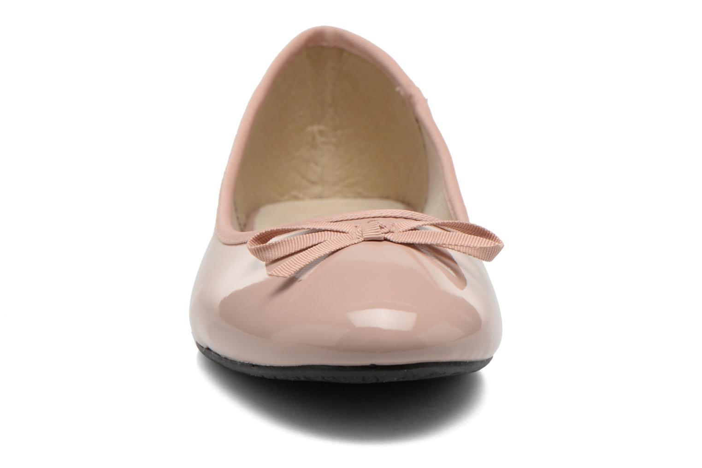 Ballerines Elizabeth Stuart Castel 813 Rose vue portées chaussures