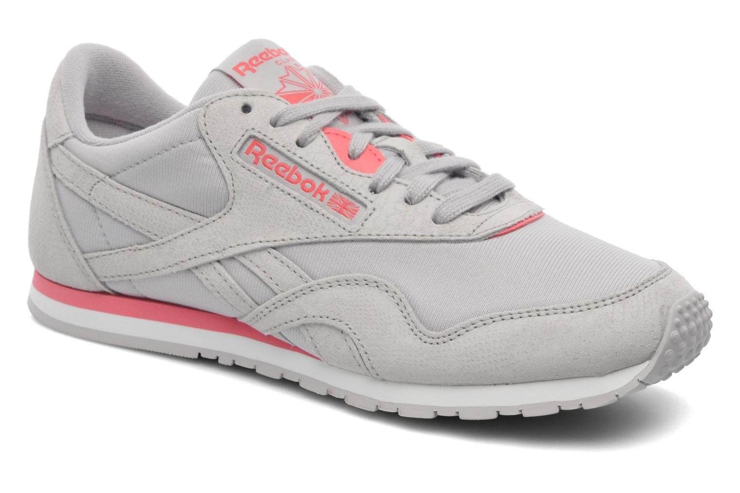Reebok Cl Nylon Slim Exotic (Gris) Baskets chez Sarenza