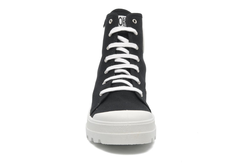 Baskets No Box Galia Noir vue portées chaussures