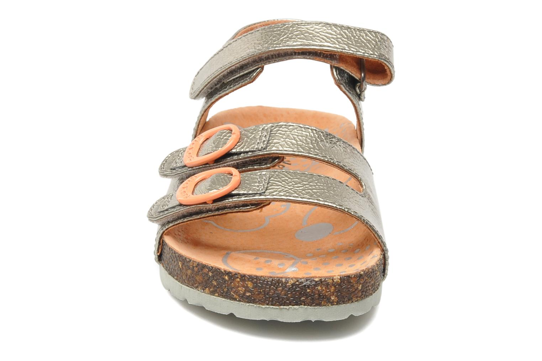 Sandales et nu-pieds Kickers Magipop Argent vue portées chaussures