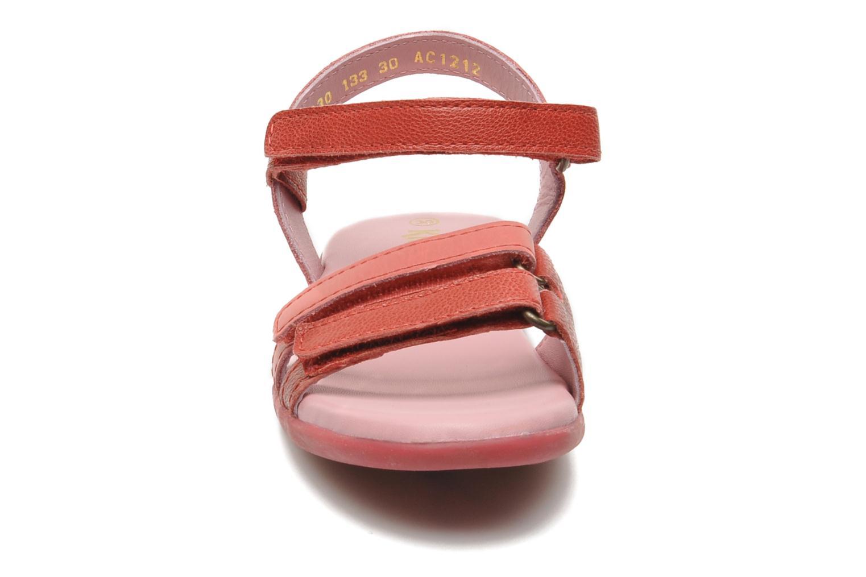 Sandali e scarpe aperte Kickers Arcenciel Rosa modello indossato
