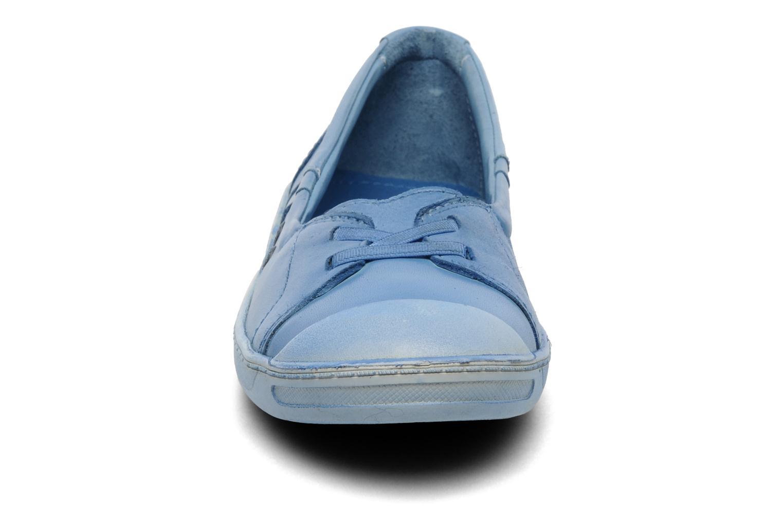 Ballerines Kickers Karenine Bleu vue portées chaussures