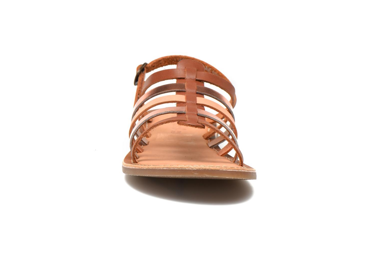 Sandales et nu-pieds Kickers Dixmillion Marron vue portées chaussures