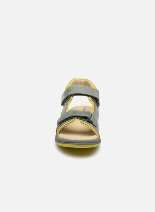Sandales et nu-pieds Kickers Platino Vert vue portées chaussures