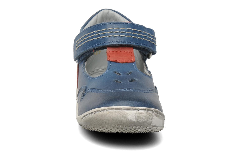 Sandales et nu-pieds Kickers Gusto Bleu vue portées chaussures