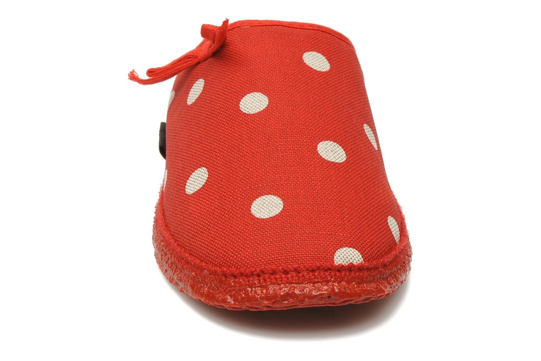 Hjemmesko Giesswein Plein Rød se skoene på
