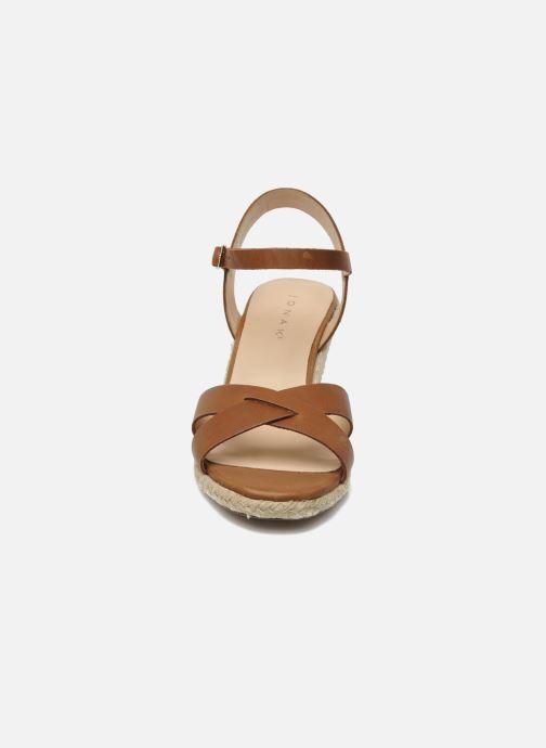 Sandales et nu-pieds Jonak Tunia Marron vue portées chaussures