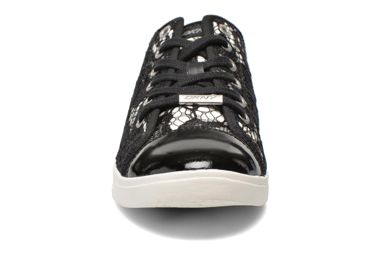 Baskets DKNY Blair Noir vue portées chaussures