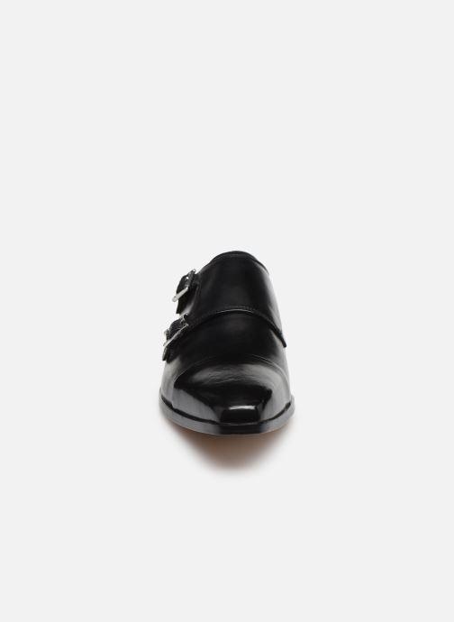 Scarpe con cinturino Melvin & Hamilton Lance 1 Nero modello indossato