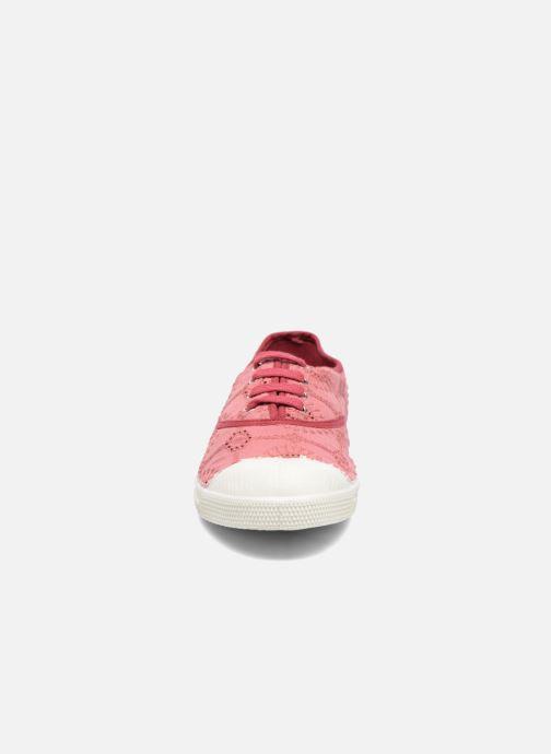 Sneakers Bensimon Tennis Broderie Anglaise Rosa modello indossato